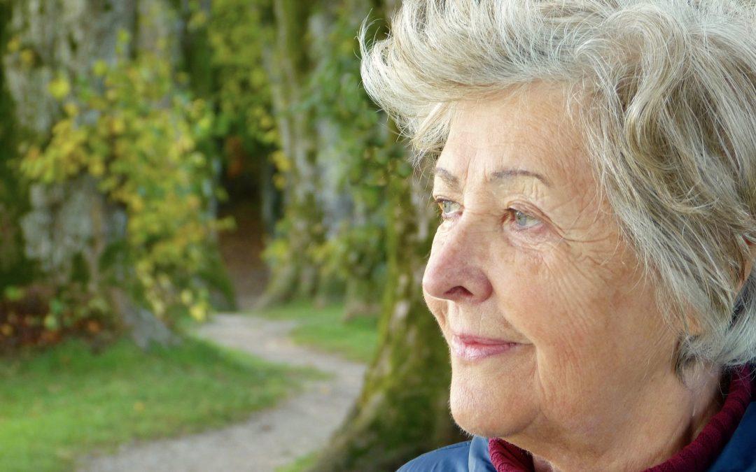 Obchodníci zneužívajú dôverčivosť seniorov, na čo si dať pozor?
